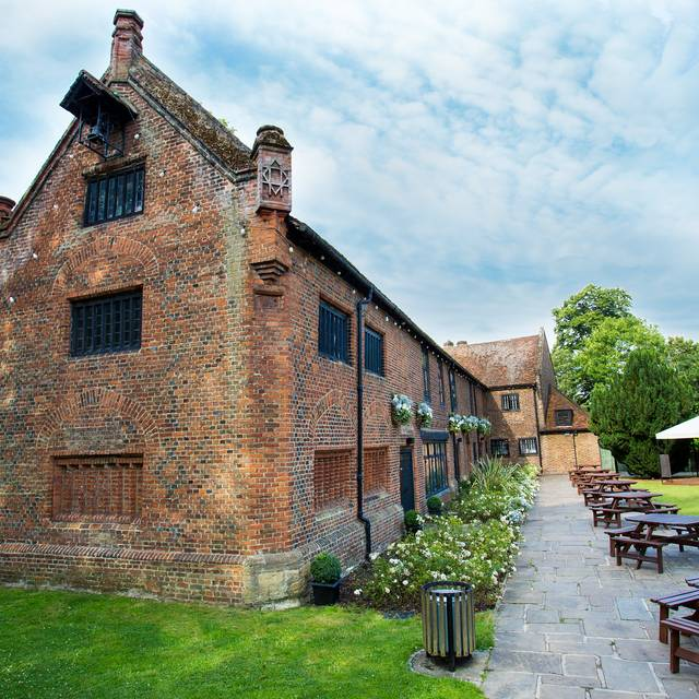 Tudor Barn, London