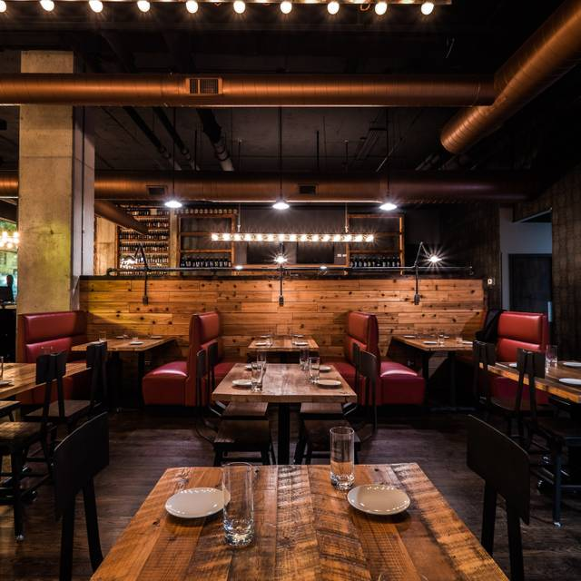 Villains chicago chicago il opentable for 0pen table chicago