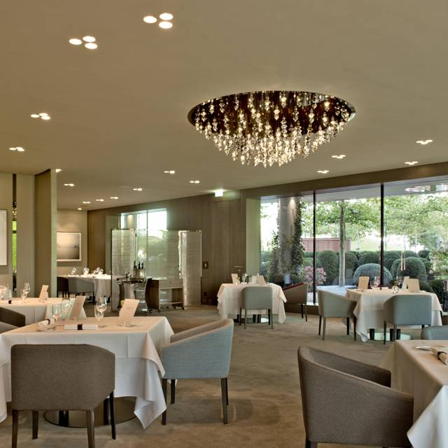 aqua the ritz carlton wolfsburg restaurant wolfsburg ni opentable. Black Bedroom Furniture Sets. Home Design Ideas