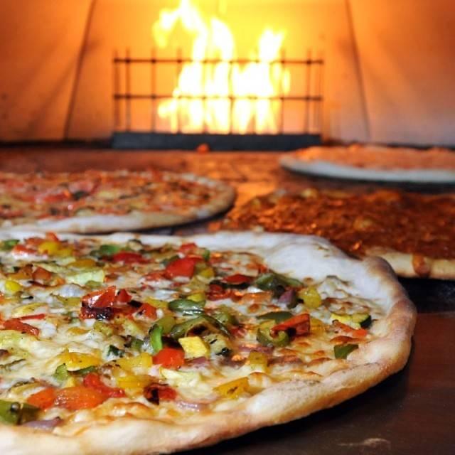 Angelo's Pizzeria & Bistro, Shallotte, NC