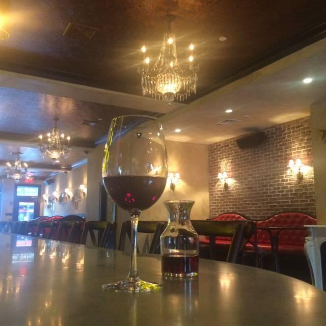 Lilly S Restaurant White Plains Ny Opentable
