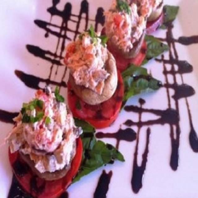 Hugo's Restaurant - Redmond, Redmond, WA
