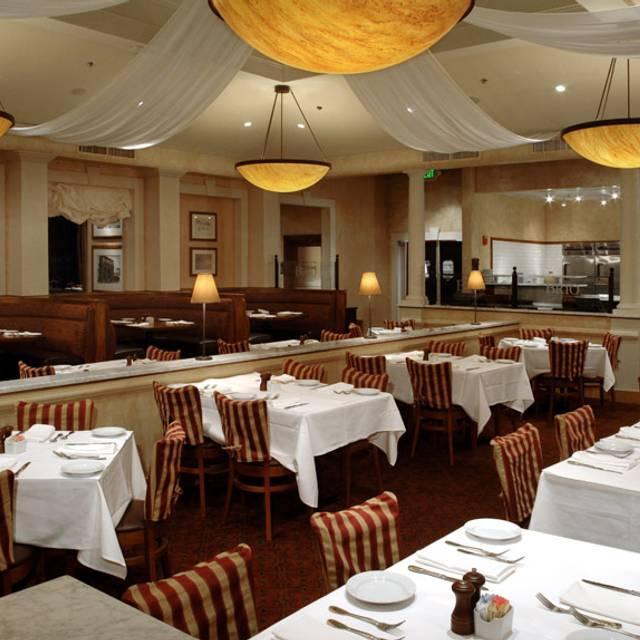 BRIO Tuscan Grille - Marlton - The Promenade at Sagemore, Marlton, NJ