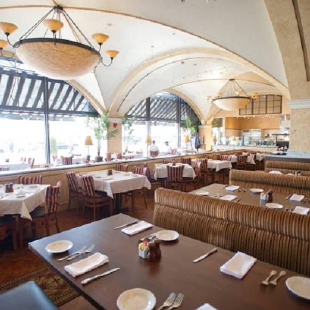 BRIO Tuscan Grille - Baltimore - Inner Harbor, Baltimore, MD