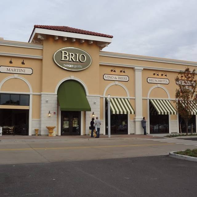 Brio Tuscan Grille Huntington Station Walt Whitman Ny