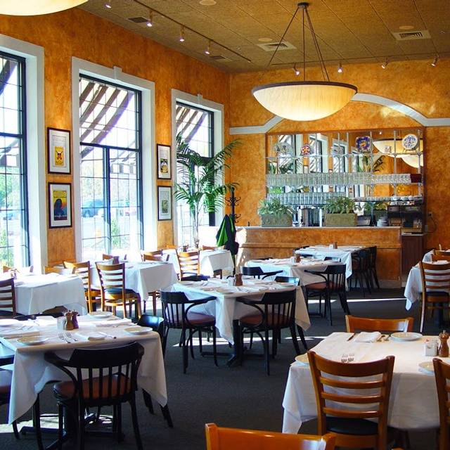 Italian Restaurants With Outdoor Seating St Louis Mo