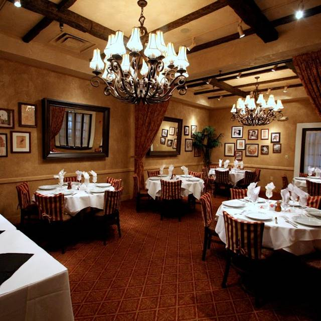 Brio tuscan grille cherry hill restaurant cherry hill for Best private dining rooms nj