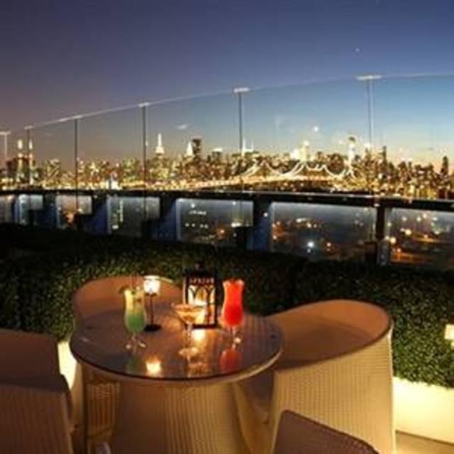 10 Restaurants Near Country Inn Suites Long Island City Manhattan View Hotel Opentable
