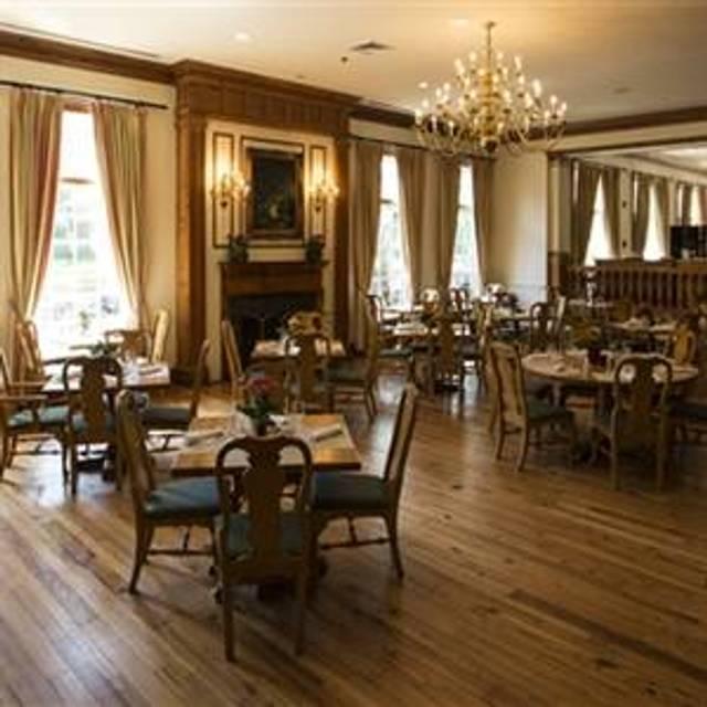 10 Restaurants Near Homewood Suites By Hilton Chesapeake Greenbrier Opentable