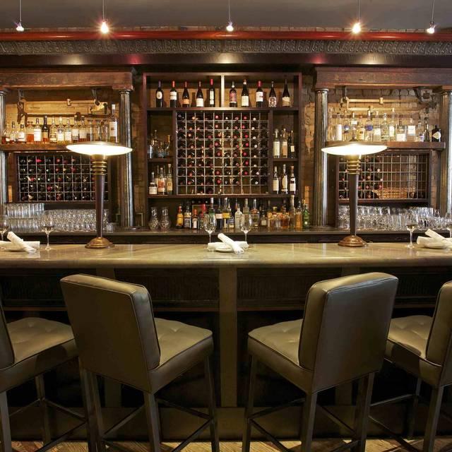 Divino Wine & Cheese Bistro, Calgary, AB