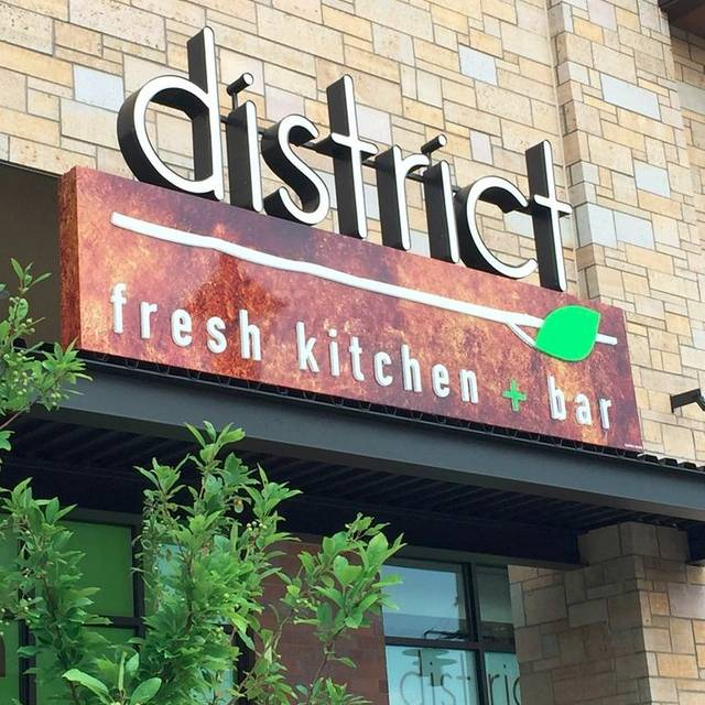 District Fresh Kitchen And Bar Wayzata Mn