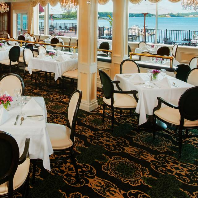 The Dining Room - Molly Pitcher Inn, Red Bank, NJ