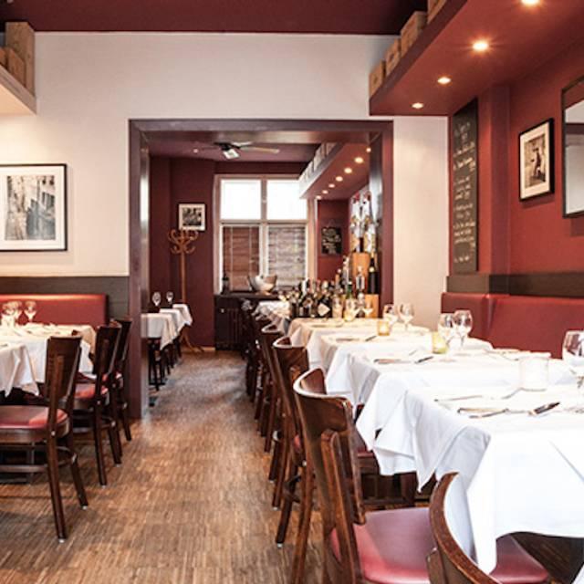 restaurant pastis berlin restaurant berlin opentable. Black Bedroom Furniture Sets. Home Design Ideas