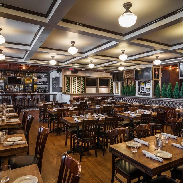 Restaurants Near Hudson River Walkway