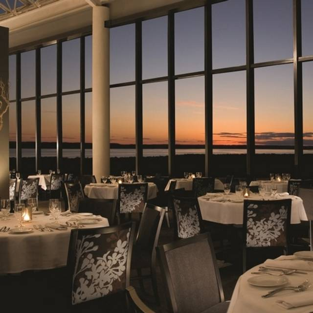 Aerie Restaurant & Lounge, Acme, MI