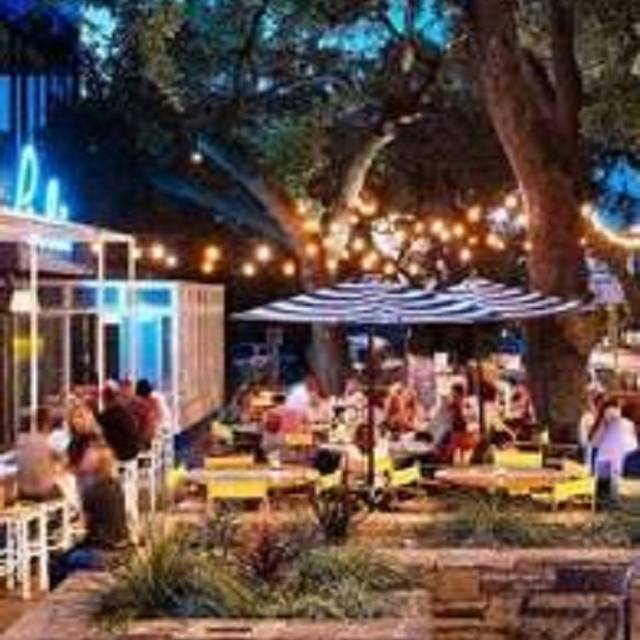 Perla S Seafood And Oyster Bar Restaurant Austin Tx