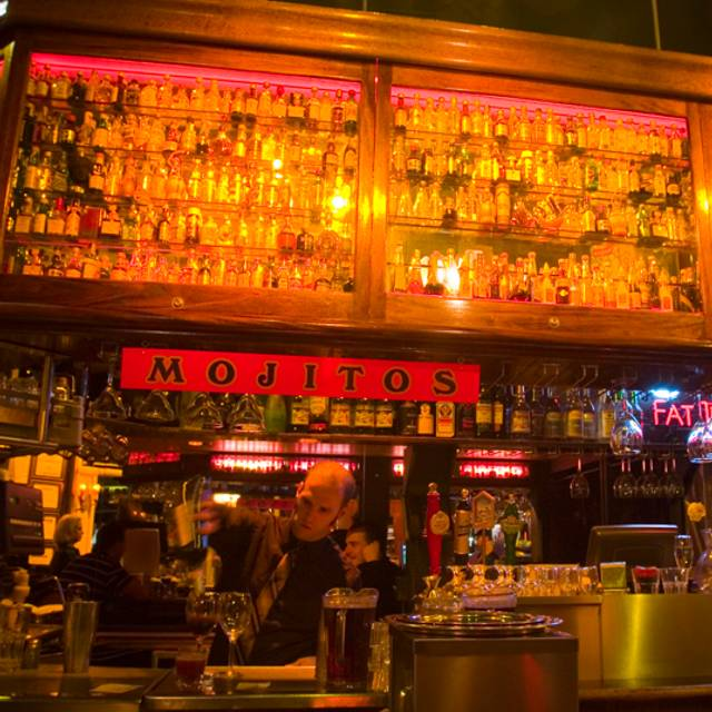 Bar - Calzone's Pizza Cucina, San Francisco, CA