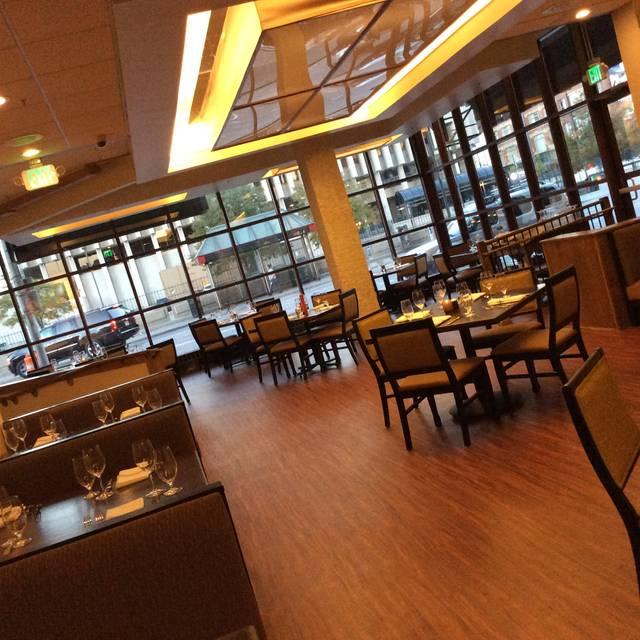 Hiroshi japanese asian fusion lounge nynew york opentable for Akane japanese fusion cuisine new york ny