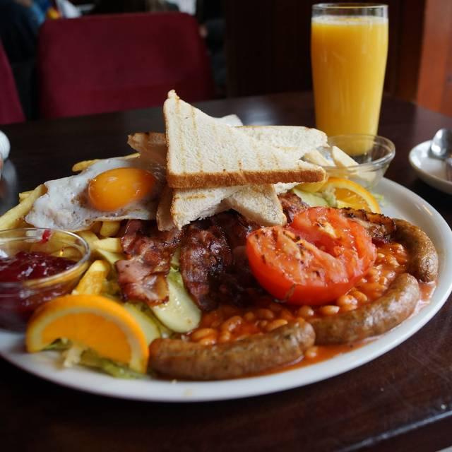 Full English Breakfast - BURGERAMT, Berlin