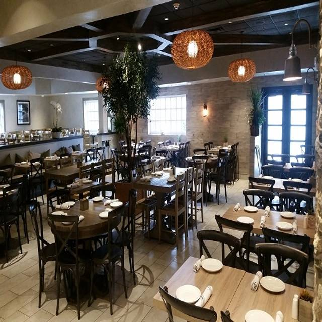 Plateia Mediterranean Kitchen Bar Des Plaines Il