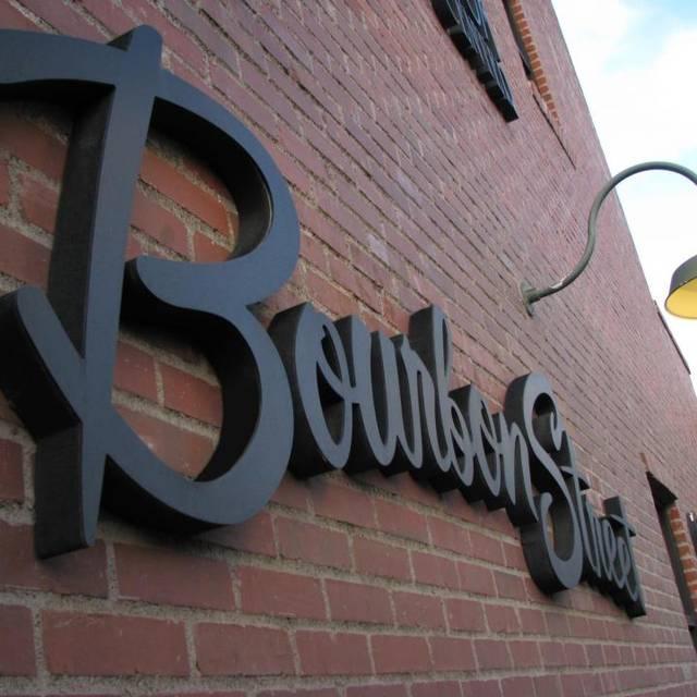6 Restaurants American Favorites In Fullerton Bourbon Street