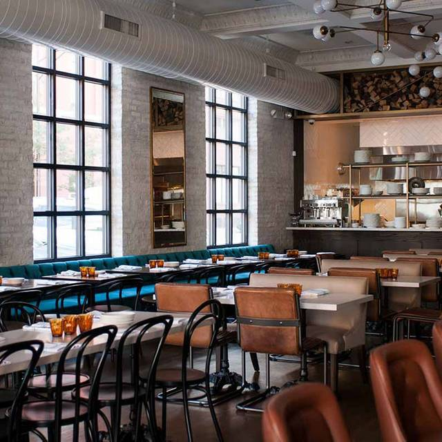 Bernie 39 s lunch supper chicago il opentable for 0pen table chicago