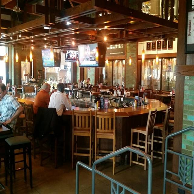 Rock Bottom Brewery Restaurant - Yorktown, Lombard, IL