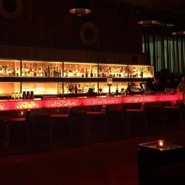 Plateau Lounge at The W Hotel, Montréal, QC