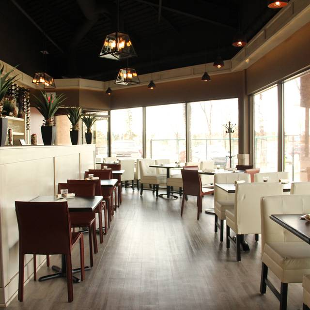 Next Door Wine Bar & Tapas, Calgary, AB
