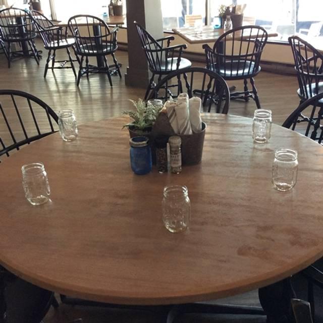 Saltwater Harborside Dining, Newport, RI