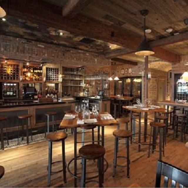 Winston S Whiskey Amp Wine Bar Restaurant Rockville Centre