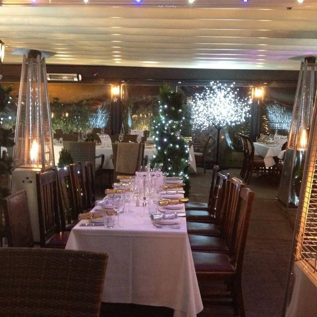 The Fox and Hounds Restaurant & Bar, Englefield Green, Surrey