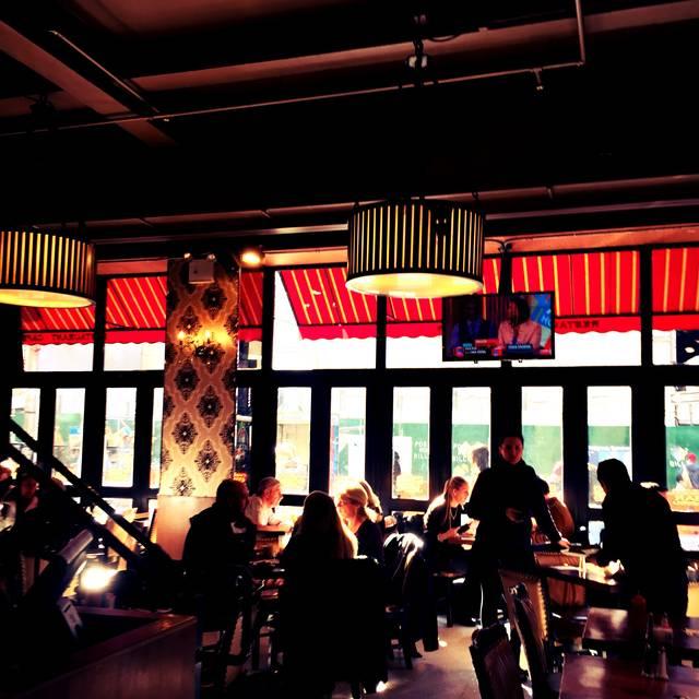 TSQ Brasserie, New York, NY
