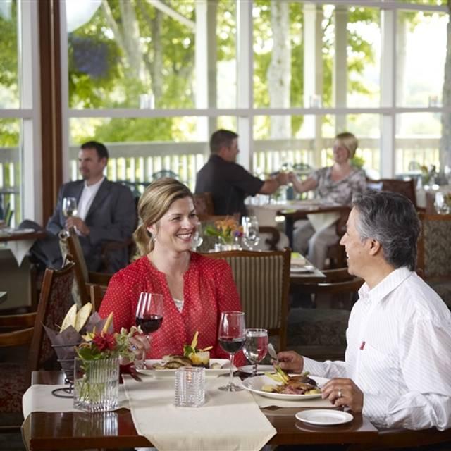 Eclipse Restaurant - Deerhurst Resort, Huntsville, ON