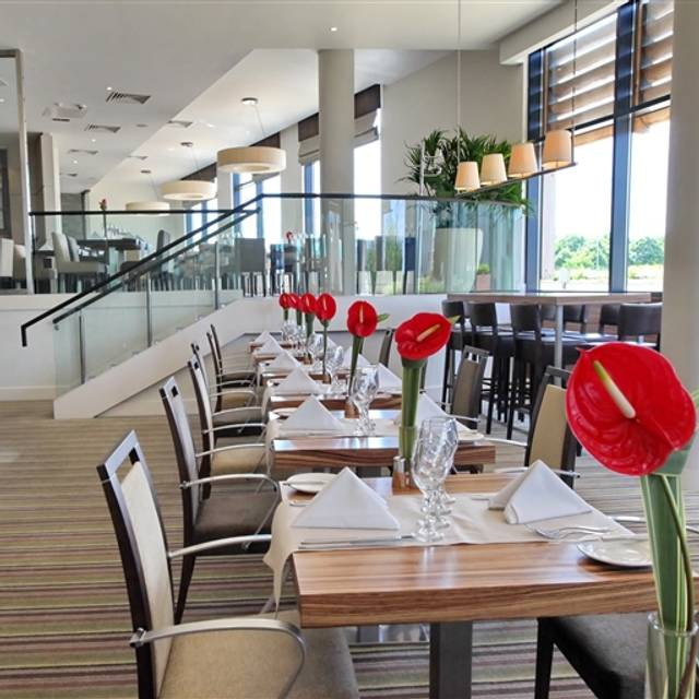 The caprice restaurant and terrace restaurant wokingham for Terrace cafe opentable