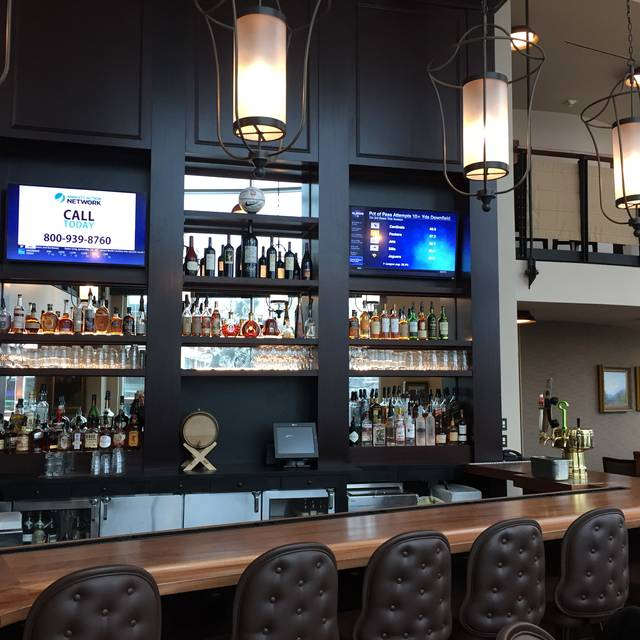 Bar Halls - Halls Chophouse - Greenville, Greenville, SC