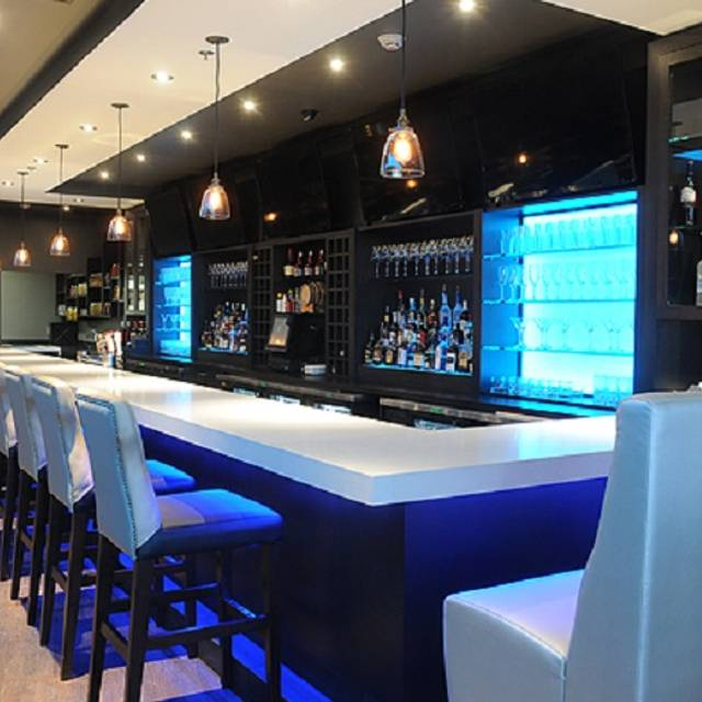 Cagneys mississauga on opentable for Best private dining rooms mississauga