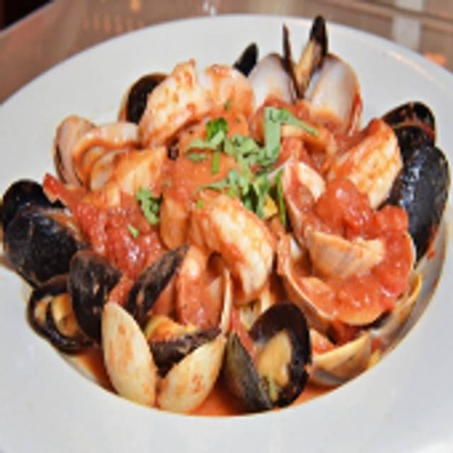 Gaspares Italian Bistro, Egg Harbor Township, NJ