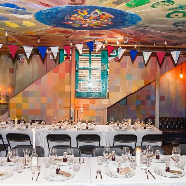 STRONGROOM BAR & KITCHEN - London,