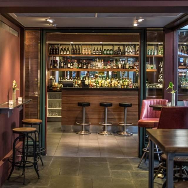 Exq - The Salt Point Bar, London