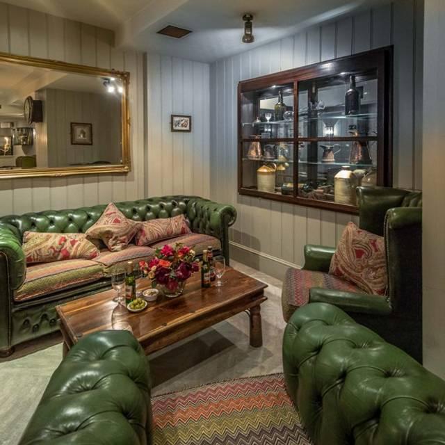 Bangers Bar & Grill, London