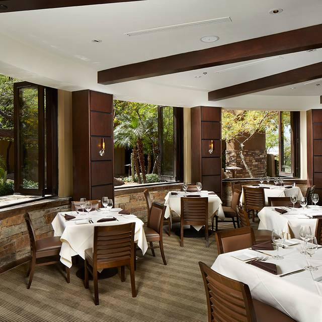 Prestons Dining Windows - Preston's Steakhouse, Scottsdale, AZ