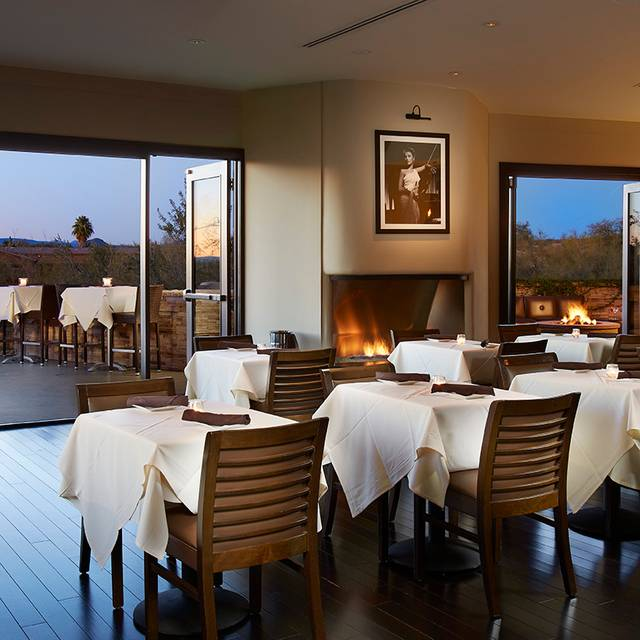 Upstairs Lounge - Preston's Steakhouse, Scottsdale, AZ