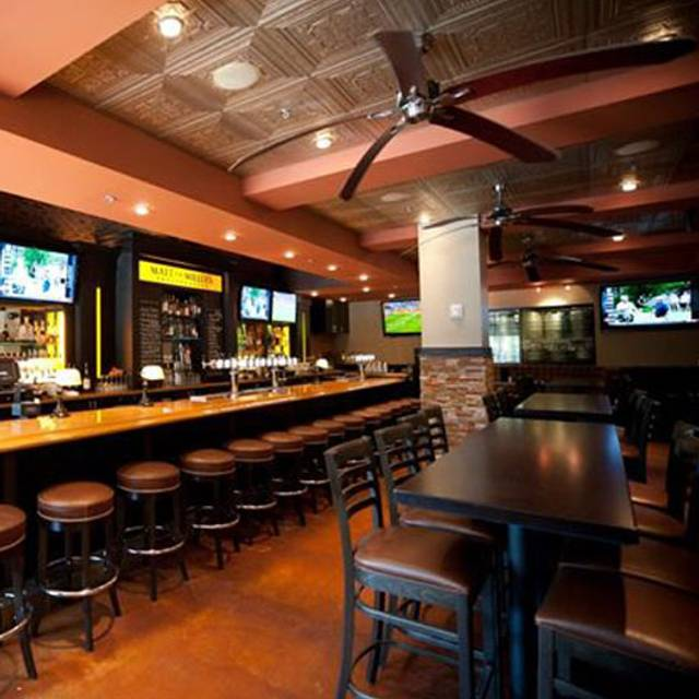 Matt The Miller S Tavern Gemini Place Restaurant
