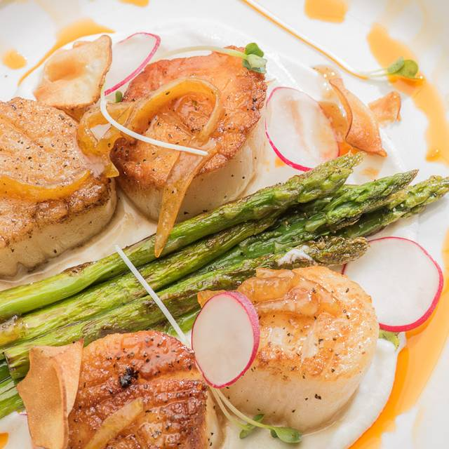 Pan-roasted Scallops - Canvas Restaurant and Market, Orlando, FL