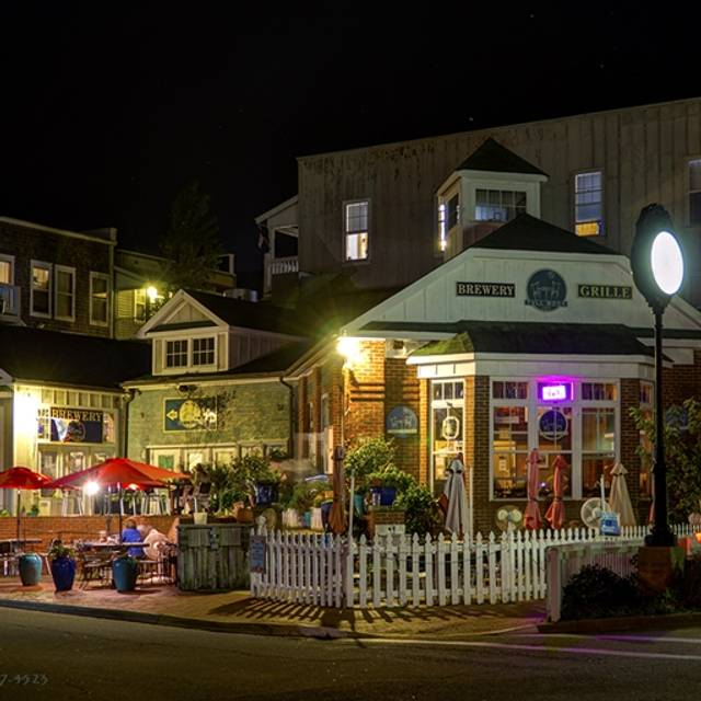 Full Moon Cafe and Lost Colony Brewery, Manteo, NC