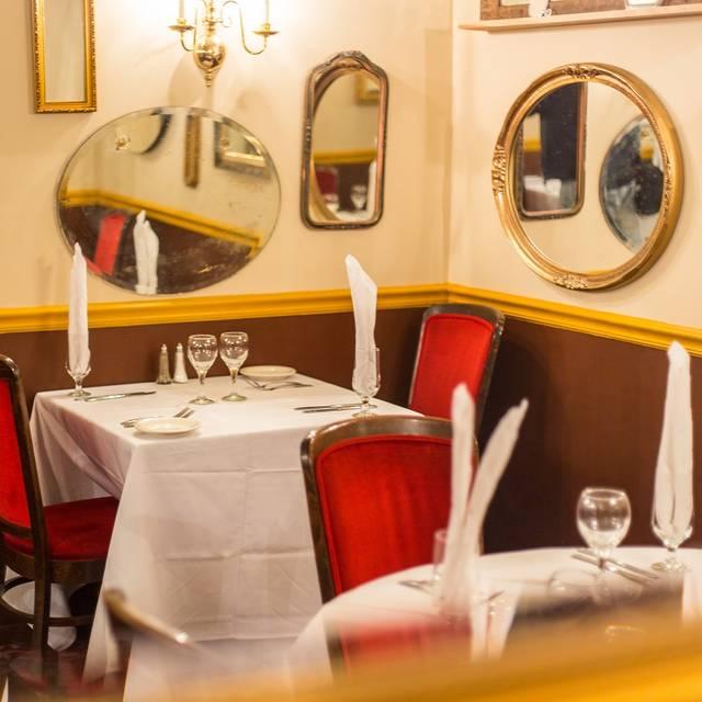 Dining - Barresi's Italian Restaurant, Cincinnati, OH