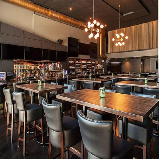 Green street local restaurant chicago il opentable for 0pen table chicago