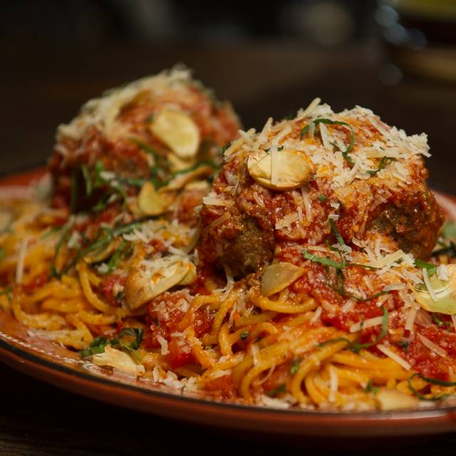 Spaghetti And Meatballs - Scaddabush Italian Kitchen & Bar - Square One, Mississauga, ON