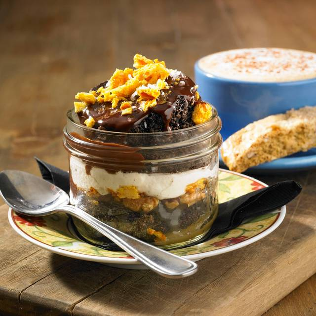 Chocolate Toffee Jar Cake - Scaddabush Italian Kitchen & Bar – Richmond Hill, Richmond Hill, ON